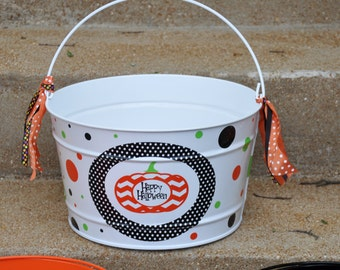 Halloween Bucket/ Candy Bucket/ Halloween Candy Bucket/ Personalized Halloween Bucket/ 16 quart Bucket