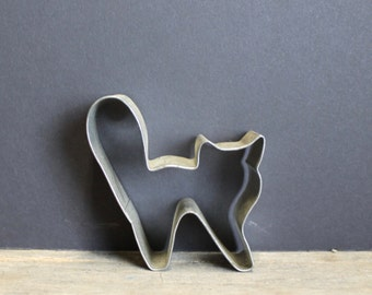 Vintage Tin Cat Cookie Cutter