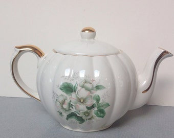 vintage teapot by Gibson