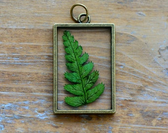 Wholesale Lot - Double Sided Glass Nature Pendant with Preserved Fern Leaf Inside Vintage Jewelry Supplies (BC022)