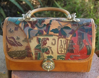 Vintage Bag 80's good condition indian drawings gold metal closure,