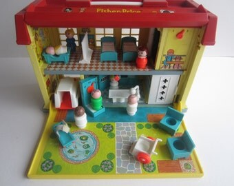 Fisher Price 1976-78 Play Family Children's Hospital #931