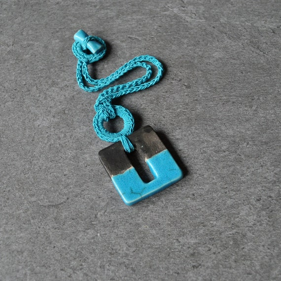 Modern ceramic necklace, turquoise pendant, geometric necklace, modern necklace, minimal necklace, ceramic jewelry, modern jewelry