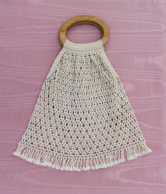 Free Crochet Purse Patterns With Wooden Handles : Vintage crocheted bag with wooden handles casual summer