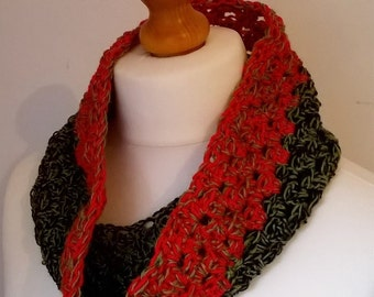 Crochet Chunky Cowl Red, Green & Navy Blue