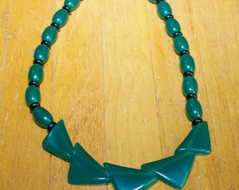 Vintage 1940's Plastic Necklace