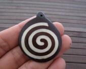 BEautiful spiral pendant , Buffalo bone carving, Jewelry making supplies S6096