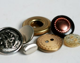 VINTAGE Vintage Metal Buttons - Silver and Gold Button Destash, Assorted Buttons.