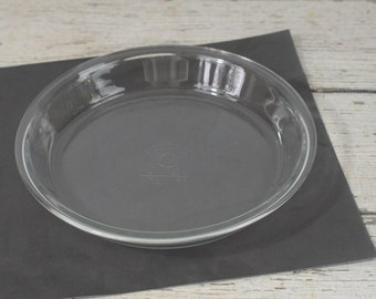 """Vintage Anchor Hocking Pie Plate Baking Dish  9"""" Made In USA"""