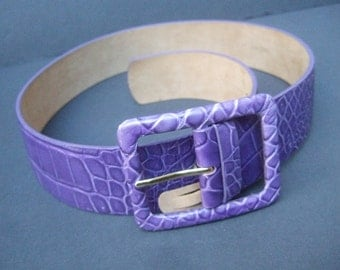 NEIMAN MARCUS Violet Embossed Italian Wide Leather Belt Size S