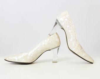 vintage 70s lucite heels / 1970s iridescent crystal heels / clear lucite heel shoes / neutral cream statement heels / size 5.5 heels