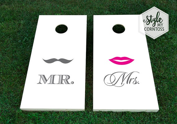 Wedding Cornhole Set - Mr. Mustache & Mrs. Lips Design