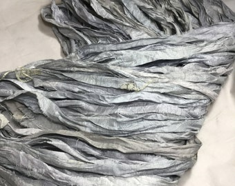 10 yd Recycled Sari Silk Ribbon Silver Gray Free Combined Shipping Bows Jewelry Sari Wrap Bracelet Wedding Weave Fiber Art Supply