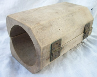 Wooden Hinged Butter Mold ~ Old Dry Wood ~ Very Vintage Primitive Wood ~ Retro Farmhouse ~ Americana ~ California Gold Country