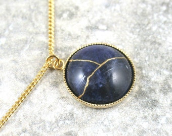 Kintsugi (kintsukuroi) sodalite stone bracelet with gold repair in a gold plated setting on gold plated chain - OOAK