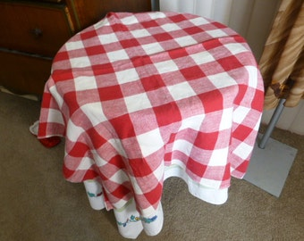 """Vintage Tablecloth Classic Red and White Checkered Picnic Tablecloth 32x32"""""""