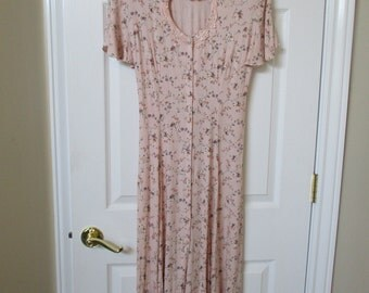 Vtg dress by Jody of California flowered dress size 9 pink lace around heart shape neckline Pink with  multi color flowers