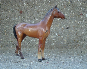 Hubley Small in Bay - Vintage 1940s Cast Iron Thoroughbred Mare
