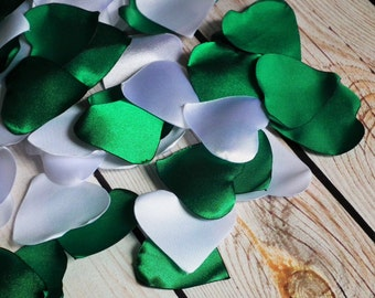 Heart shaped rose petals in KELLY GREEN and WHITE, artificial satin rose petals - for wedding aisle, basket, tables, made to order