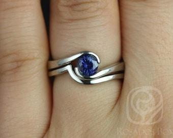Rosados Box Vadim 5mm 14kt White Gold Round Blue Sapphire Single Twist Wedding Set