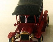 Collectible Diecast Models of Yesteryear Matchbox Car Lesney England,1911 Model-T Y-1, metal antique car replicas