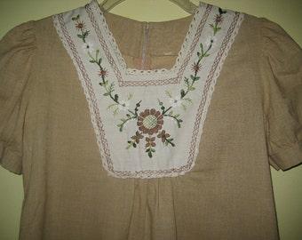 VINTAGE EMBROIDERED TOP Prarie Boho Spun Cotton Bib Blouse Small Medium 70s