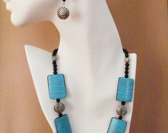 CLEARANCE - Turquoise and Silver Adjustable Length Necklace and Earrings- Free Shipping