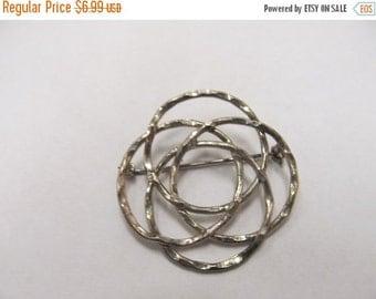 On Sale Vintage Intertwining Circular Pin Item K # 620