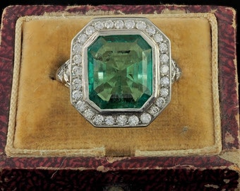 Reserved to B.! Outstanding Belle Epoque 5.40 Ct Colombian emerald and diamond platinum ring
