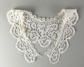 Antique lace collar, french lace / victorian collar / wedding dress / vintage textiles