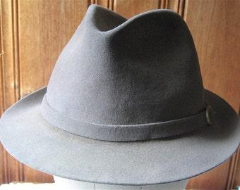 "Gray Dobbs Fedora - Vintage Men's Hat with Belted Band - Grey Wool Felt Hat - Retro Fedora Frank Sinatra Style - 22"" Band Men Medium"
