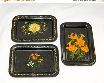 25% off SALE... Three vintage tole trays…small tole trays…hand painted trays…rustic.