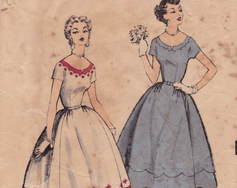 "1950s Dress with Scoop Neckline Vintage Sewing Pattern - Advance 6649 - Size 16, Bust 34"" MISSING Facing"