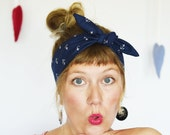 Rockabilly Headband. Pin up hair accessory. Navy blue with anchors. Rosie, the riveter. Anchor hair tie. Nautical head scarf. Retro style.