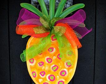 Pineapple Door Hanger | Summer Door Hanger | Pineapple Party Decor | Pineapple Welcome Sign | Front Door Wreaths | Beach Party | Pool Signs