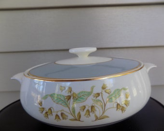 Vintage Soup Tureen with lid Homer Laughlin - Cavalier Eggshell