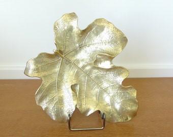 Large Virginia Metalcrafters brass fig leaf dish, number 4-13