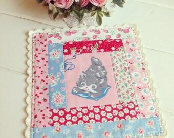 sweet vintage kitty trivet