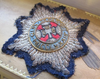 "Irish Order of Saint Patrick:""Quis Separabit MDCCLXXXIII"" Metallic Thread Patch Decal Applique/Antique-Old Vintage WWI Military Collectible"