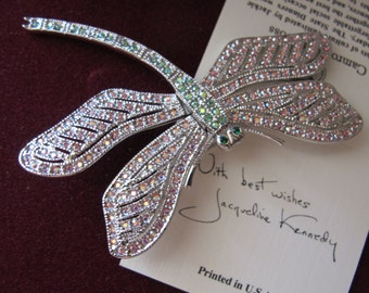 En Tremblant Dragonfly Pin Brooch. Rhodium Plated Silver Tone. Fine Swarovski Crystals. Articulated Moveing Winged Dragonfly Brooch JACKIE