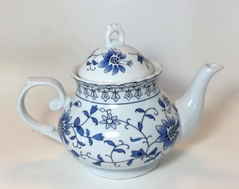 Blue & White Teapot / Vintage Ceramic  Teapot Blue and White Floral Flower Pattern