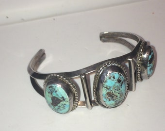 Vintage 36 gram Native American old Pawn cuff bracelet with genuine turquoise stones