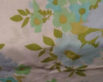 Vintage Pillowcase 70s Green Floral Print