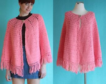 Vintage 70s Pink Crochet Cape - Boho Crochet Poncho - Hippie Crochet Wrap - Crochet Shawl - Fringe Poncho - Crochet Cloak