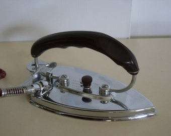 Vintage Durabilt Folding Travel Iron, Folding Iron, Retro Clothing Iron, Mid Century Clothing Iron, Vintage Electric Iron.