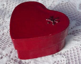 Heart-shaped Box: Red with gem feature. Keepsake, Gift, Trinket, Jewellery box. Valentine gift box