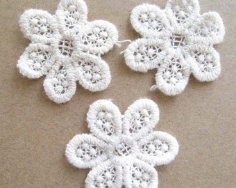 Ivory White Lace Trim Crochet Flower for Purse Making and Hand Bag Decorating - Pack of 10pcs