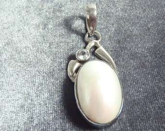 Sterling Silver Blue Topaz Mother of Pearl Pendant P121