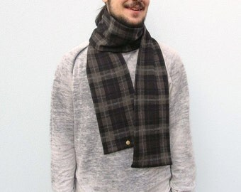 Knit scarf for man. Tartan design Scarf. Upcycled wool. Wool knit. Recycled yarn. Winter accessory. Eco friendly. Wool knit Scarf.