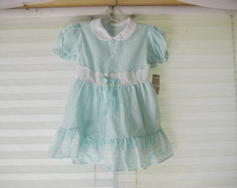 Little girls mint green dress, lace collar, party dress, 70s dress, size 4T, made in USA
